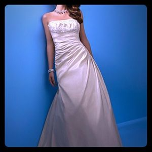 Alfred Angelo 2103 wedding gown dress size 12
